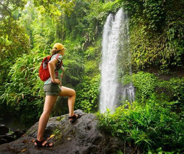 5 of the world's most spectacular hiking routes